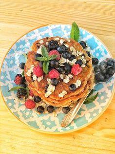 Clătite cu fulgi de ovăz Pancakes, Breakfast, Food, Morning Coffee, Essen, Pancake, Meals, Yemek, Eten