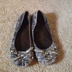 Snake skin blinged flats Worn less than a handful of times. Snake skin pattern super comfortable cite blingy flats lei Shoes Flats & Loafers