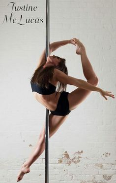 Pole Dance Studio in Innsbruck - A great way to keep fit Pole Dance Moves, Pole Dancing Fitness, Dance Poses, Pole Fitness Moves, Fitness Inspiration, Pool Dance, Foto Portrait, Pole Tricks, Aerial Dance