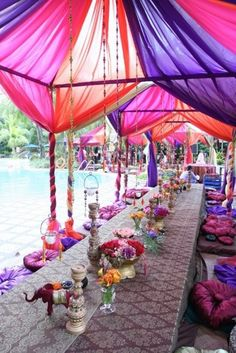 Bohemian party ~ love this set up. Would love a birthday party with this set up. Moroccan Party, Moroccan Theme, Indian Party, Moroccan Wedding, Indian Theme, Indian Style, Morrocan Theme Party, Arab Style, Outdoor Indian Wedding