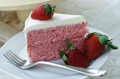 Fresh Strawberry Cake with Cream Cheese Swiss Meringue Buttercream : Oven Love