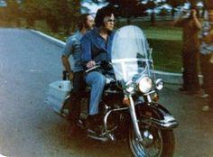 Elvis Presley's 1975 FLH 1200