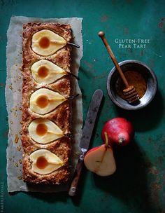 Gluten-Free Pear Tart 29 Delicious Ways To Eat More Pears Gluten Free Pie, Gluten Free Sweets, Gluten Free Baking, Gluten Free Recipes, Recipes Using Coconut Flour, Almond Recipes, Coconut Milk, Just Desserts, Dessert Recipes