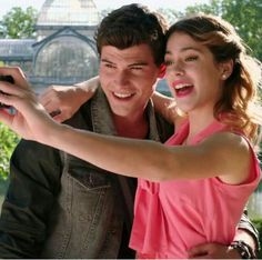 This page is an image gallery for Dieletta. Disney Channel Shows, Disney Shows, Violetta Disney, Netflix Kids, Son Luna, Couple Goals, Tv Shows, It Cast, Wattpad