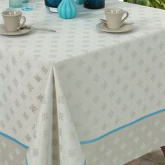 Cotton tablecloth in lin.   Product: TableclothConstruction Material: Jacquard cottonColor: Lin...
