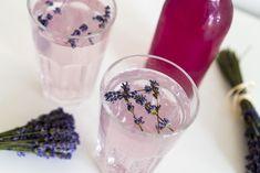 RECEPT: Domácí levandulový sirup Snow Globes, Makeup, Food, Syrup, Make Up, Essen, Meals, Beauty Makeup, Yemek