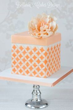 Peachy Sugar Peony Patterned Cake by Bellaria Cake Design, made with our Double Wedding Ring Silicone Onlay