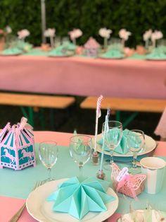 Table rose et vert d'eau