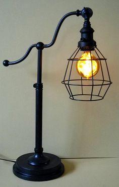 Beautifully Animated Rare Light Bulb. NOS Orig. Box Amber