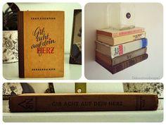"""Dieses einzigartige Upcycling-Bücherregal ist ein garantierter Hingucker und wird Besucher Ihrer """"heiligen Hallen"""" sicher immer…"""
