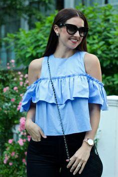 La Mariposa Summer Style: High-waisted Jeans, Zara Blue Ruffled Off-the-shoulder Ruffled Crop Top