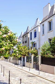 Lorsque l'on pénètre dans la rue Dieulafoy, située dans le 13e arrondissement de Paris, on a l'impression de se retrouver dans une rue ré...