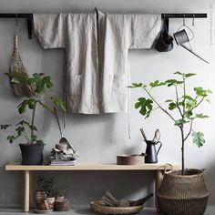 """1,394 gilla-markeringar, 12 kommentarer - IKEA Sverige (@ikeasverige) på Instagram: """"Linnetyget #AINA är många hemmaskräddares favorit. En egen kimono kan hängas upp på väggen som…"""""""