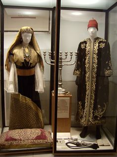 Jewish festival or wedding attire, Museo Sefardi at Synagoga del Transido in Toledo, Spain.     |   museo sefardi by defenestr8or, via Flickr