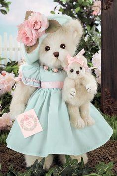 Beary Special Mom Teddy Bear by Bearington Vintage Teddy Bears, Cute Teddy Bears, Ours Boyds, Boy Christening Outfit, Etiquette Vintage, Boyds Bears, Bear Wallpaper, Bear Doll, Bear Art