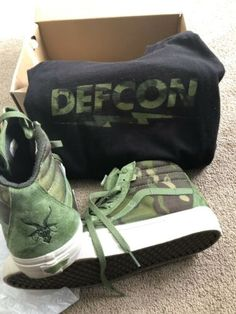 8b9cde8cb2 defcon vans Size 9 Multicam Jungle With Matching Shirt Matching Shirts