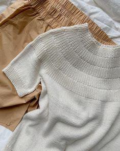 Sunday Sweater – PetiteKnit Big Yarn, Knit Vest Pattern, Holiday Sweater, Stockinette, S Shirt, Love Crochet, Knitting Patterns Free, 6 Years, Summer Blouses