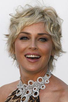 Résultats de recherche d'images pour «coupe de cheveux femme ronde  50 ans 2018»