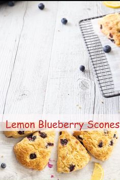 Recipe for Lemon Blueberry Scones that results in super buttery English scones, that are packed with delicious blueberries and topped with some caramelised brown sugar! Easy to make! Best Breakfast Recipes, Breakfast Dishes, Blueberry Scones Recipe, Recipe For Scones, Best Scone Recipe, English Scones, Gin, Twisted Recipes, Frozen