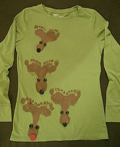 New craft christmas reindeer foot prints ideas Christmas Shirts For Kids, Christmas Gifts For Parents, Childrens Christmas, Homemade Christmas Gifts, Christmas Sweaters, Christmas Crafts, Whoville Christmas, Xmas Shirts, Winter Shirts