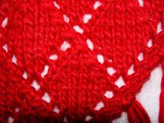 Ulla 01/04 - Neuleohjeet - Fifi-huivi Beanie, Hats, Fashion, Red, Accessories, Colors, Women, Moda, Hat
