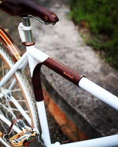 velooutlets.com #walnut #frame #accessories #style #stylegram #styleblogger #leather #bicycle #instagram #bicyclelife #bicycleshop #fixieporn #fixie #fixiestyle #fixiebike #mtb #cycling #cyclinglife #gents #lads #riga #latvia #velooutlets #instagram