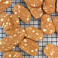 BRUNKAGER | EyeSwoon (Danish Cookies)