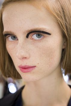 Fendi Spring 2016 Ready-to-Wear Fashion Show Beauty  Makeup inspiration www.kellythonpsoncreative.com