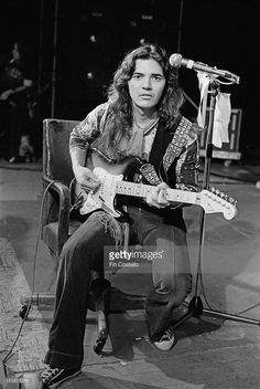 Another shot of Tommy Bolin