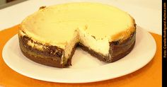Cheesecake brownie    Receta (español): http://www.tvazteca.com/notas/vengalaalegria/110104/cheese-cake-con-brownie