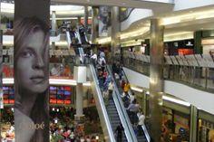 Вест-Энд торговый центр в Будапеште | WestEnd City Center Budapest Mall Stores, Shopping Mall, Budapest, Street View, Travel, Shopping Center, Viajes, Shopping Malls, Destinations