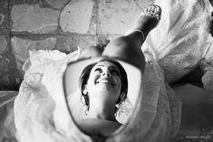 Photos of the wedding of August 27 by Gianmarco Vetrano on My .- Foto del matrimonio di agosto 27 di Gianmarco Vetrano sul MyWed Photos of the August 27 wedding by Gianmarco Vetrano on MyWed - Wedding Picture Poses, Wedding Couple Poses, Wedding Photography Poses, Couple Photography, Wedding Photoshoot, Wedding Shoot, Wedding Ideas, Wedding Dresses, Fotografia Tutorial