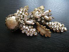 Vintage Miriam Haskell Baroque Pearl Rhinestone Natrual design Filigree Brooch