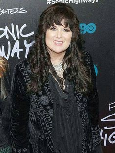 Ann Wilson has some great outfits (and of course a spectacular voice)