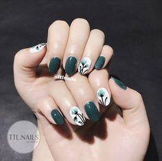68 Ideas nails art floral beautiful for 2019 Korean Nails, Flower Nails, Cute Nail Designs, Manicure And Pedicure, Nail Arts, Swag Nails, Toe Nails, Beauty Nails, Pretty Nails