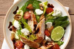 Salade caesar légère au carré frais salad recipes, diet recipes, healthy re Salad Dressing Recipes, Salad Recipes, Diet Recipes, Healthy Meals For Two, Healthy Dinner Recipes, Healthy Eating, Healthy Drinks, Avocado Nutrition, Health And Nutrition
