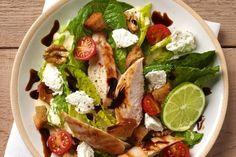 Salade caesar légère au carré frais salad recipes, diet recipes, healthy re Salad Dressing Recipes, Salad Recipes, Diet Recipes, Healthy Meals For Two, Healthy Dinner Recipes, Healthy Eating, Healthy Drinks, Avocado Nutrition, Health And Nutrition