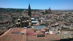 Toledo y su Catedral en primer plano desde el Alcazar. Spain.