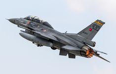 General Dynamics F-16D Fighting Falcon