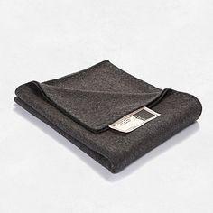 #byTzum for an easy lifestyle. Heerlijke zachte #plaid van wol vilt voor op de bank of lekker warm bij de tv. 130x170cm, voor €44,95