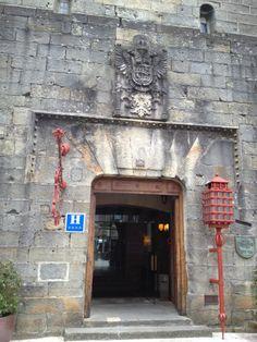 Hotel Parador de Hondarribia en Fuenterrabía, País Vasco #hotel #restaurante  #castillo Restoration, Ss, Decor, Hotels, Restaurants, Castles, Countries, Tourism, Cities