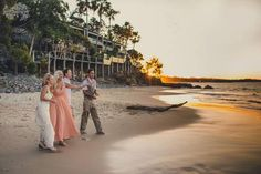 Returning seashells in exchange for wishes. It was pretty. Got Married, Getting Married, Lakeside Garden, Seashells, My Dream, Most Beautiful, Scenery, That Look, Beach