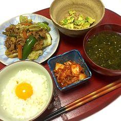Stir-Fried Pork and Vegetables, Avocado-Natto with Kimchi,bHoldfast Miso Soup, TKG (Raw Egg over Rice) - 26件のもぐもぐ - 肉と野菜の味噌炒め、アボカド納豆、キムチ、あおさ海苔のお味噌汁、TKG by kayorina