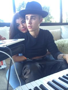 Justin Bieber Has Dinner With Yovanna Ventura, While Selena Gomez Hangs With Girlfriends