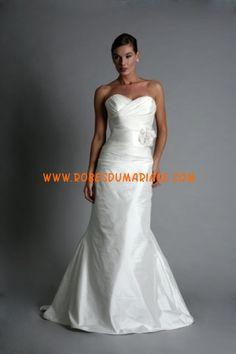 Modern Trousseau robe de mariée simple longueur ras du sol décorée de fleur taffetas