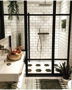 75 Most Popular White Bathroom Design Ideas for 2018 - Di Home Design Style At Home, Casa Top, Design Case, Beautiful Bathrooms, Small Bathrooms, Dream Bathrooms, Bathrooms Decor, Bathrooms Direct, Decorating Bathrooms