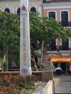 Escudo de la Universidad Carlos Albizu. 3:20pm
