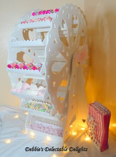 Sweet Ferris Wheel - Big Day Post Box inc. Candy Display, Cupcake Display, Lolly Buffet, Candy Buffet, Porta Cup Cakes, Bolo Hello Kitty, Sweet Carts, Sweet Trees, Cake And Cupcake Stand