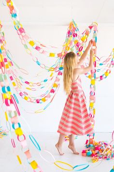 18 Colorful DIY Party Ideas for Any Occasion Rainbow Paper Chain Garland Rainbow Birthday Party, Diy Birthday, Birthday Parties, Dinosaur Party Invitations, Diy Girlande, Rainbow Paper, Paper Chains, Diy Party Decorations, Diy Party Garland