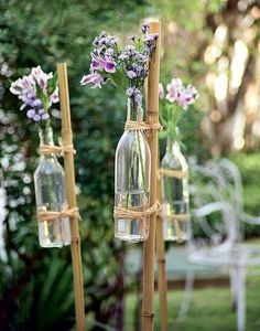 When the spring comes, a garden wedding seems to be a good option. With so many types of decoration ideas. to plan a small wedding 87 Brilliant Garden Wedding Decor Ideas Garden Wedding Decorations, Diy Garden Decor, Wedding Centerpieces, Garden Ideas, Aisle Decorations, Decor Wedding, Diy Flowers, Wedding Flowers, Flowers Decoration